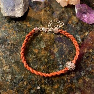 Jewelry - 🌷NWT Unisex Brighton charm bead/leather bracelet